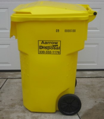 Residential 95 gallon tote garbage can